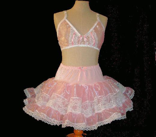 1703   Petticoat Lace Insert