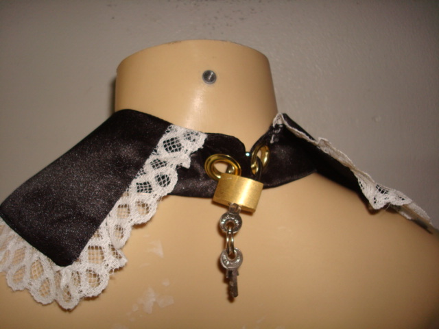 CL12  LOCKABLE Collar